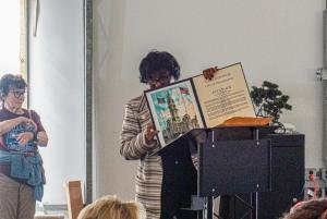 Councilwoman Blackwell presenting the Citation (1)
