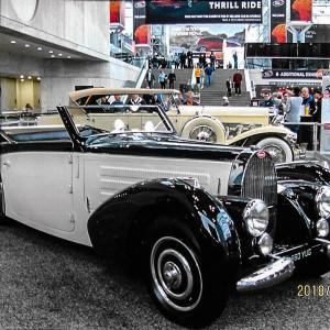 Riviera Men's Club goes to Javits Center for Auto Show